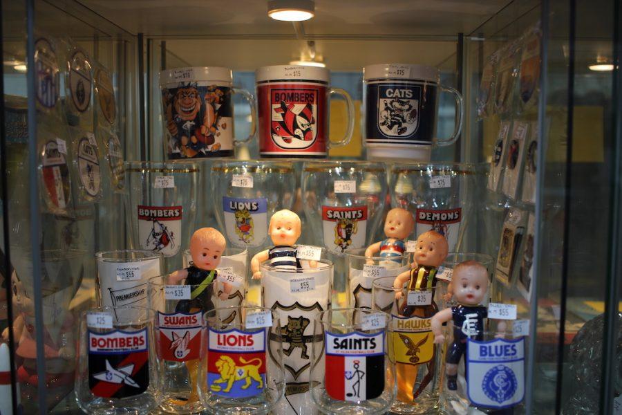 VFL AFL memorabilia, collectables, aussie rules, Australian Football, GLEN WAVERKEY, toy, glass